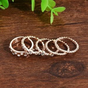 Jewelry - NWT • gold crystal ring set